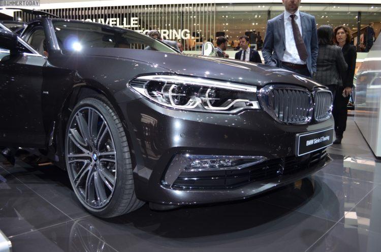 2017 BMW 5er Touring G31 540i Luxury Line Sophistograu Genf Live 03 750x497
