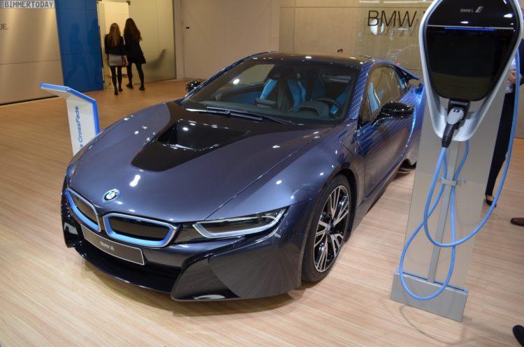 2017 BMW i8 Crossfade Edition Garage Italia Genf Autosalon Live11 750x497