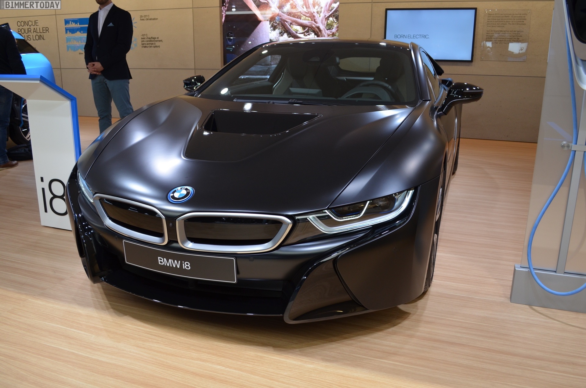 2017 BMW i8 Frozen Black Edition Genf Live 08