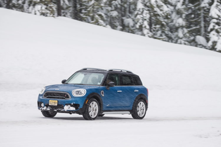 2017 MINI Countryman test drive 135 750x500