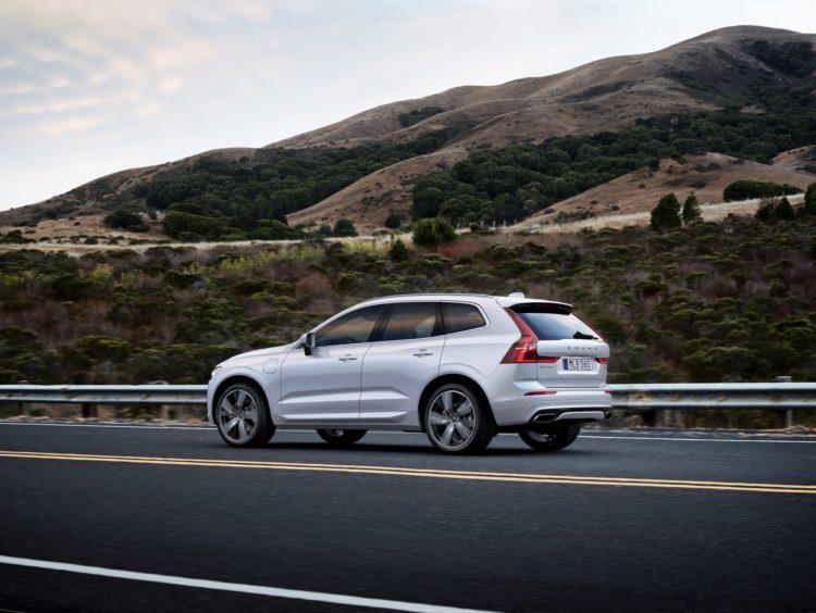 2017 Volvo XC6011 750x564