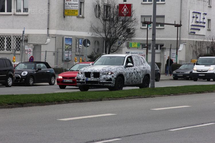 2018 BMW X7 spied 01 750x500