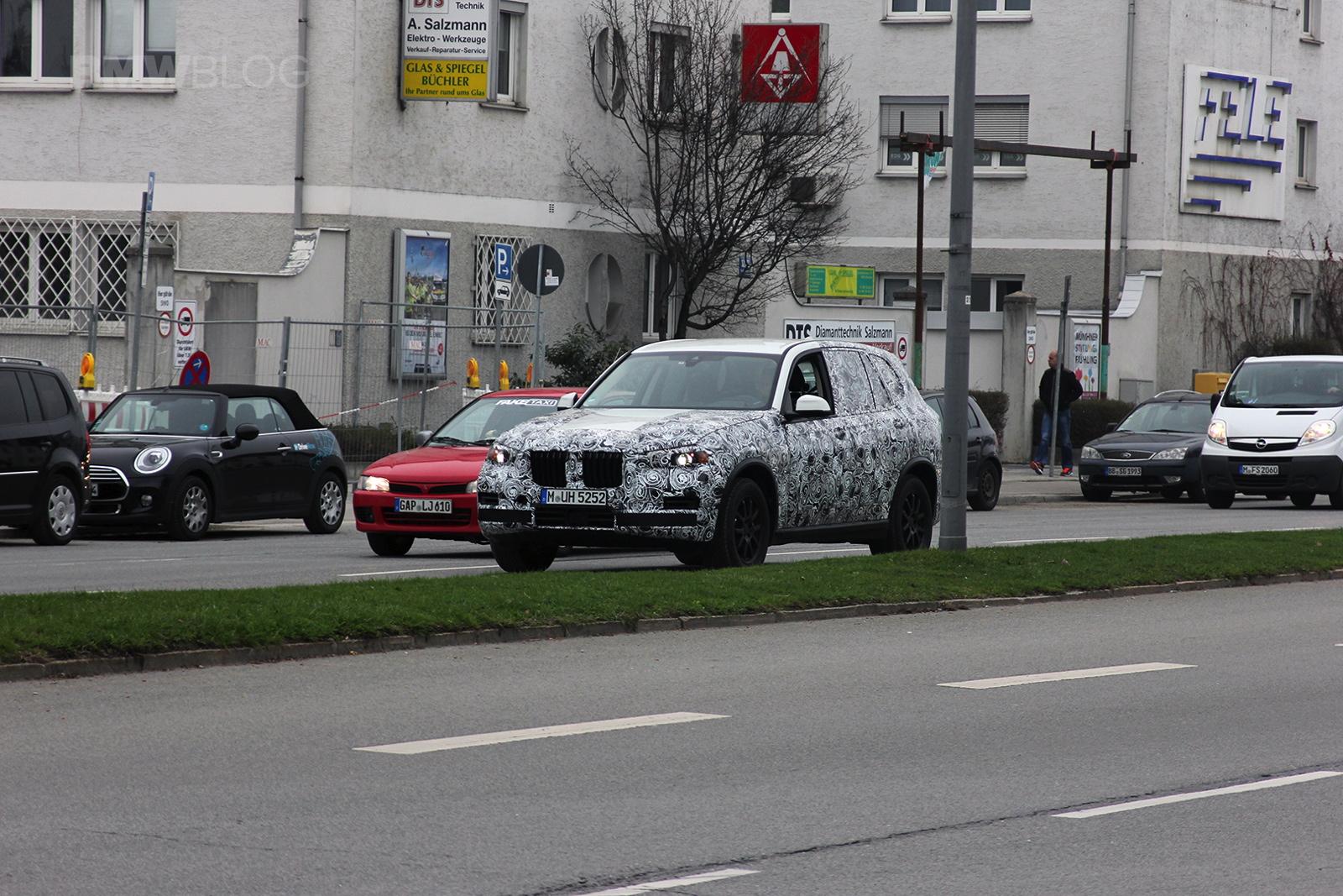 2018 BMW X7 spied 01