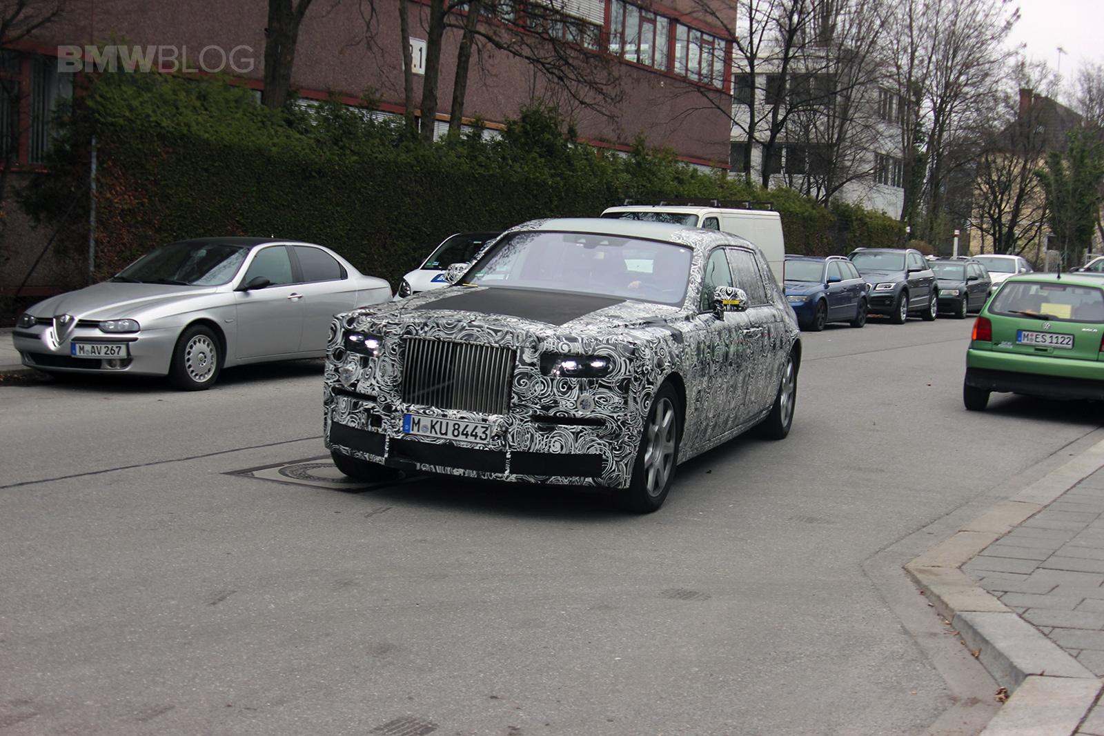 New Rolls Royce Phantom >> Spy Photos: 2018 Rolls-Royce Phantom
