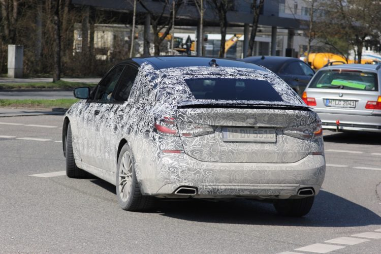 BMW 6 Series GT Spy Photos3 750x500