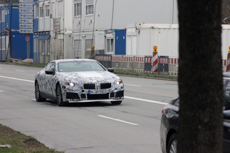 BMW 8 Series Spy Photos5 750x500