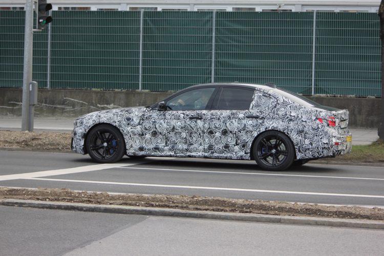 BMW F90 M5 Spy Photos2 750x500