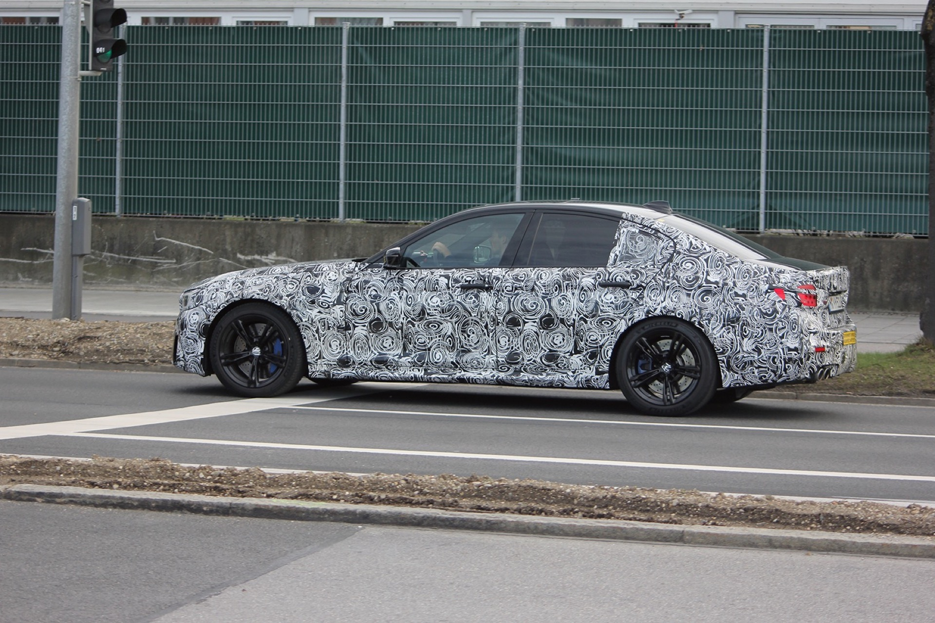 BMW F90 M5 Spy Photos2