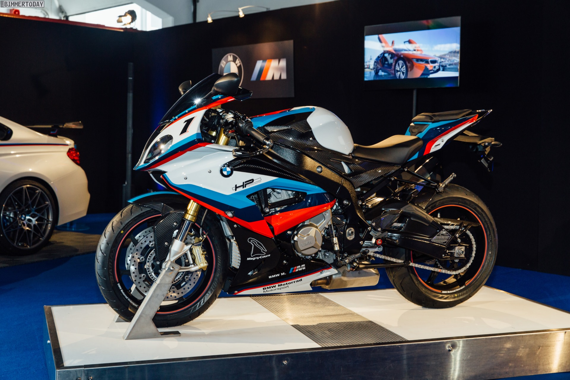 BMW European Delivery >> BMW M4 Magny-Cours Special Edition comes with BMW 1000RR ...