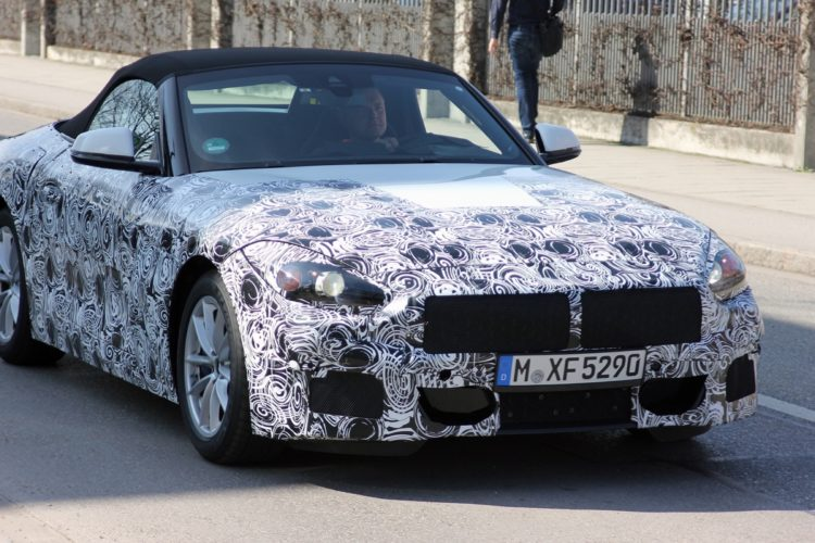 BMW Z4 Spy Photos3 750x500