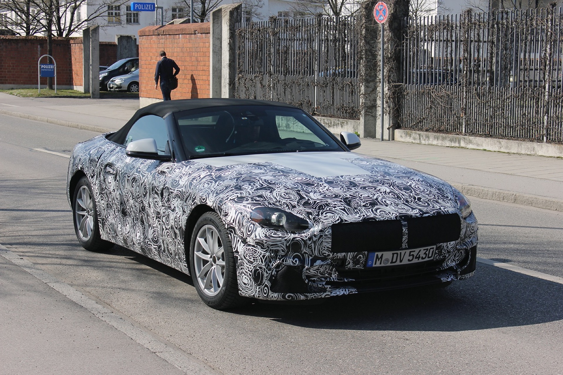 2019 Bmw Z4 Spyshots Confirm Manual Gearbox Will Be Available