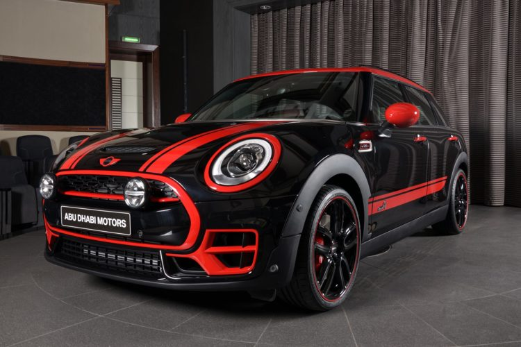 MINI Clubman JCW in Midnight Black 750x500