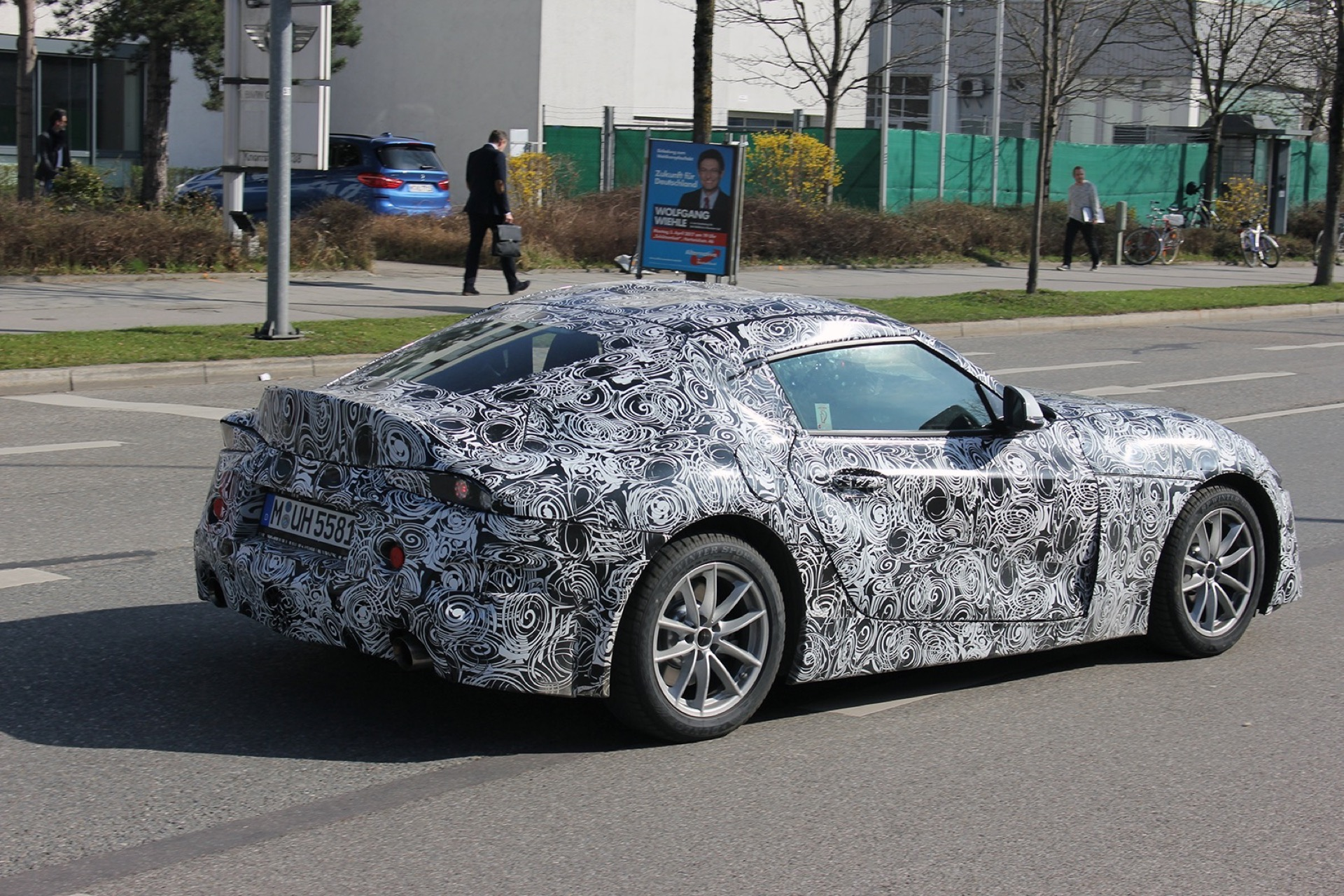 Bmw Toyota Supra >> Spied Toyota Supra Bmw Z4 And 3 Series Caught Hanging Out In Italy