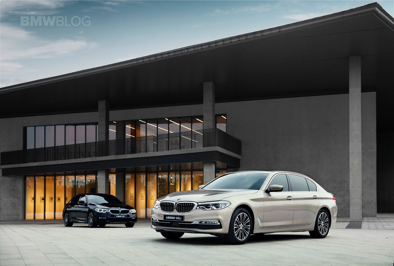 2017 BMW 5 Series Li 01