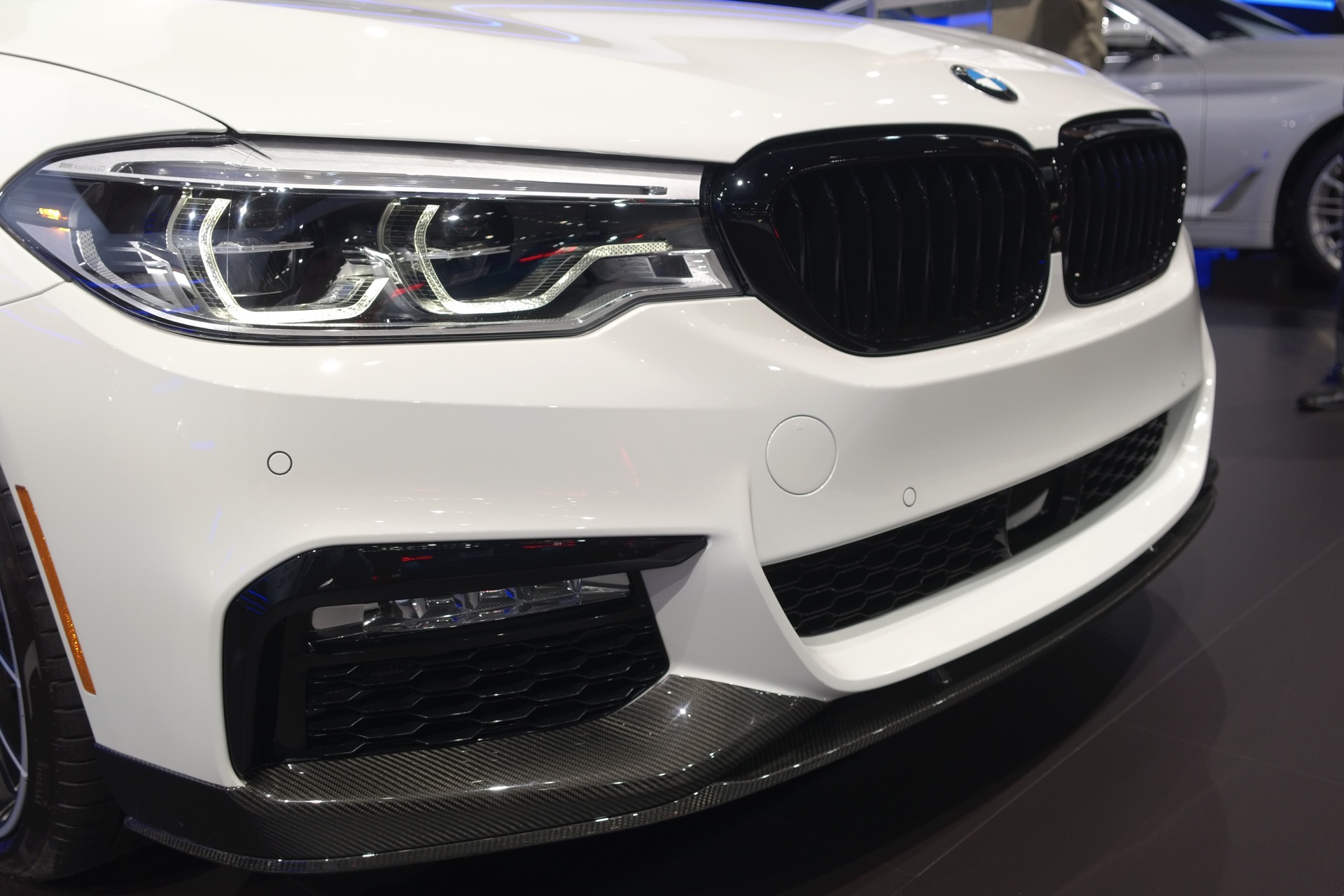 2017 BMW 540i M Performance Parts6