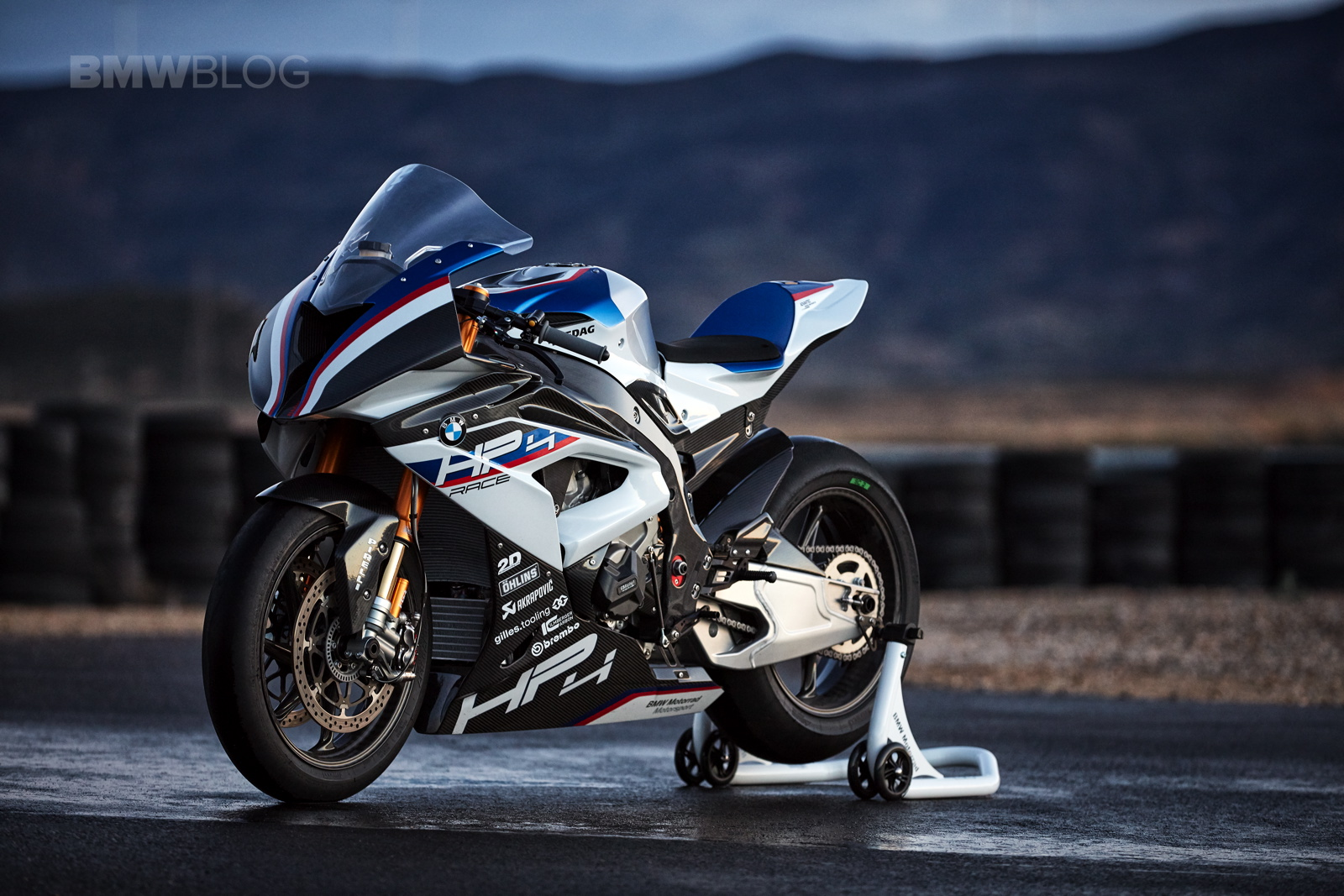 World Premiere The New Bmw Hp4 Superbike
