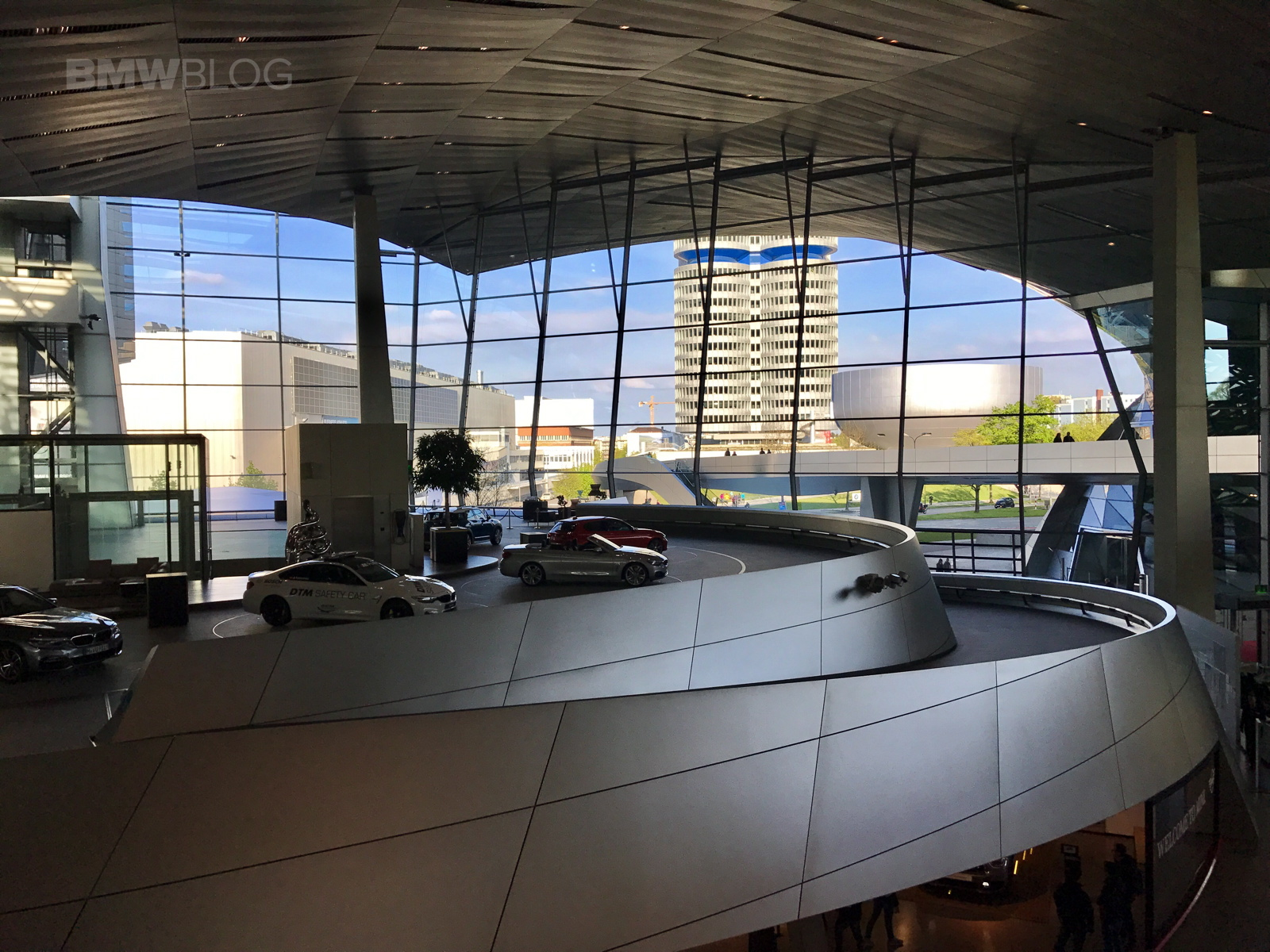 2017 BMW Welt 03