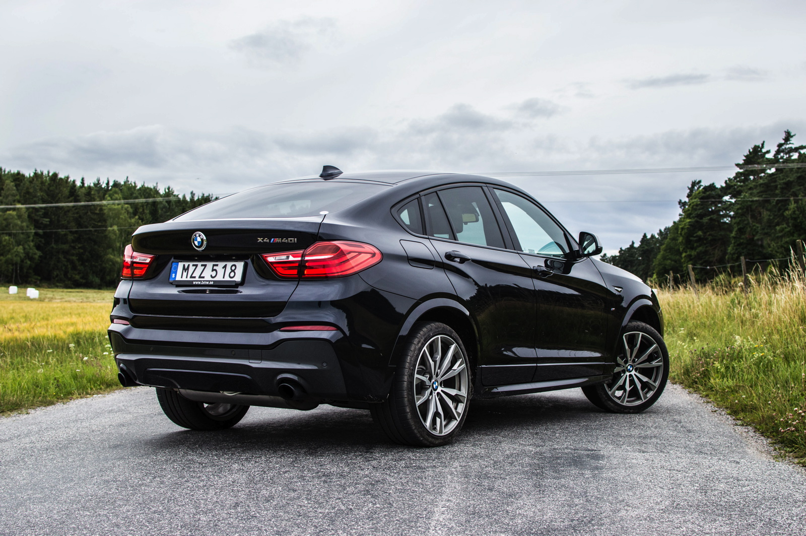 Something BMW Has Promised To Some Extent With The X4 Regard Coupe Design Is That Its Supposedly Should Be A Car Which Distinguishes Itself