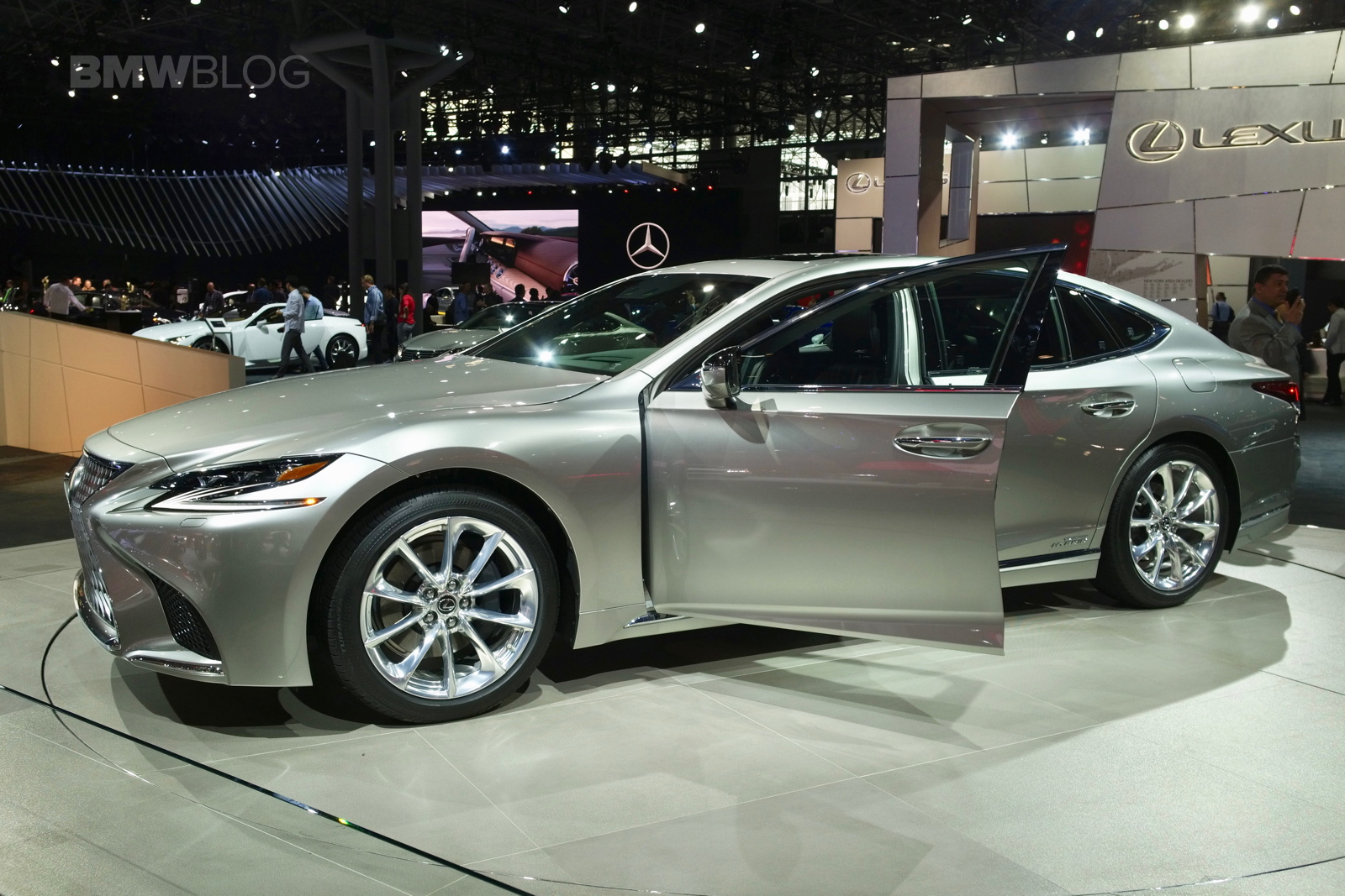 Lexus LS H Makes US Debut At The NYC Auto Show - Car show 2018 nyc