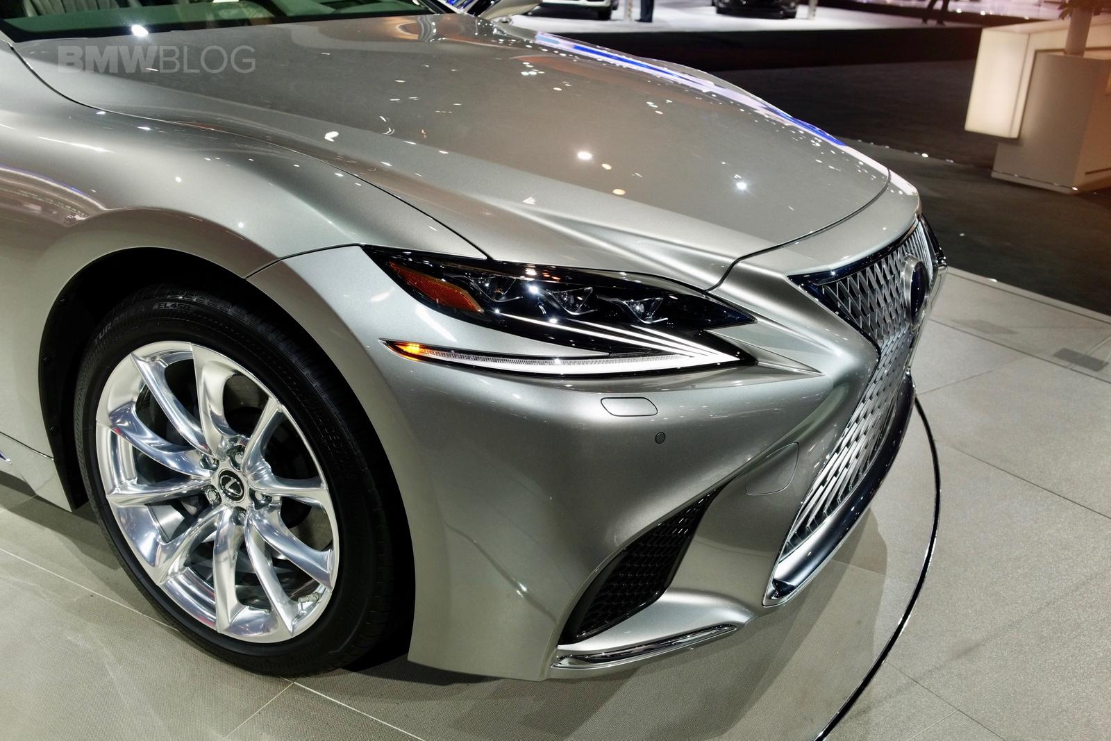 2017 Lexus LS NYC 09