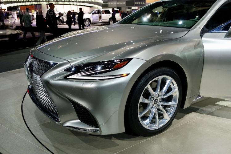 2017 Lexus LS NYC 13 750x500