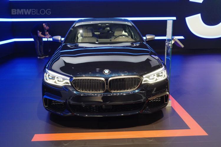 2018 BMW M550i xDrive 01 750x500