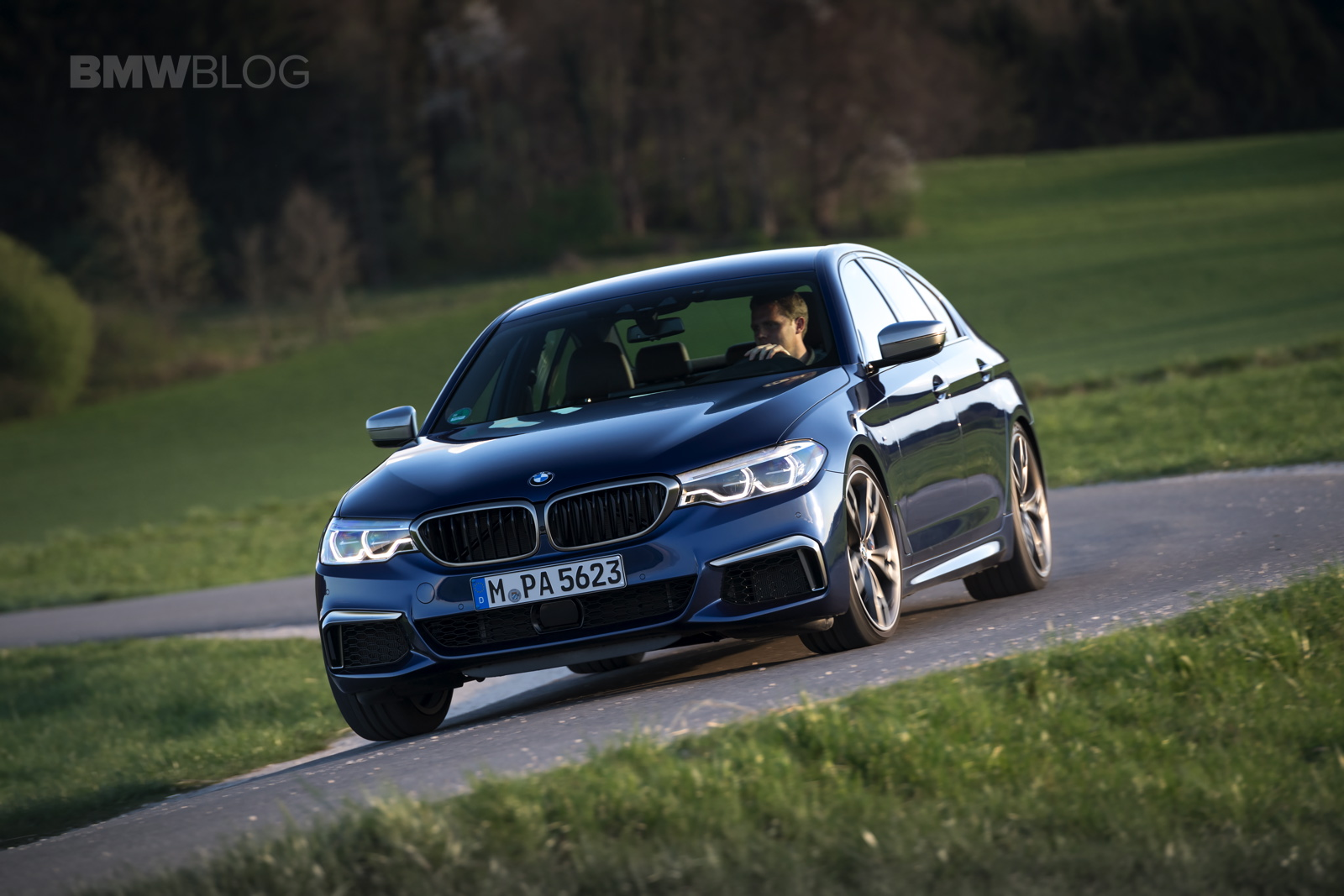 2018 BMW M550i xDrive test drive 30