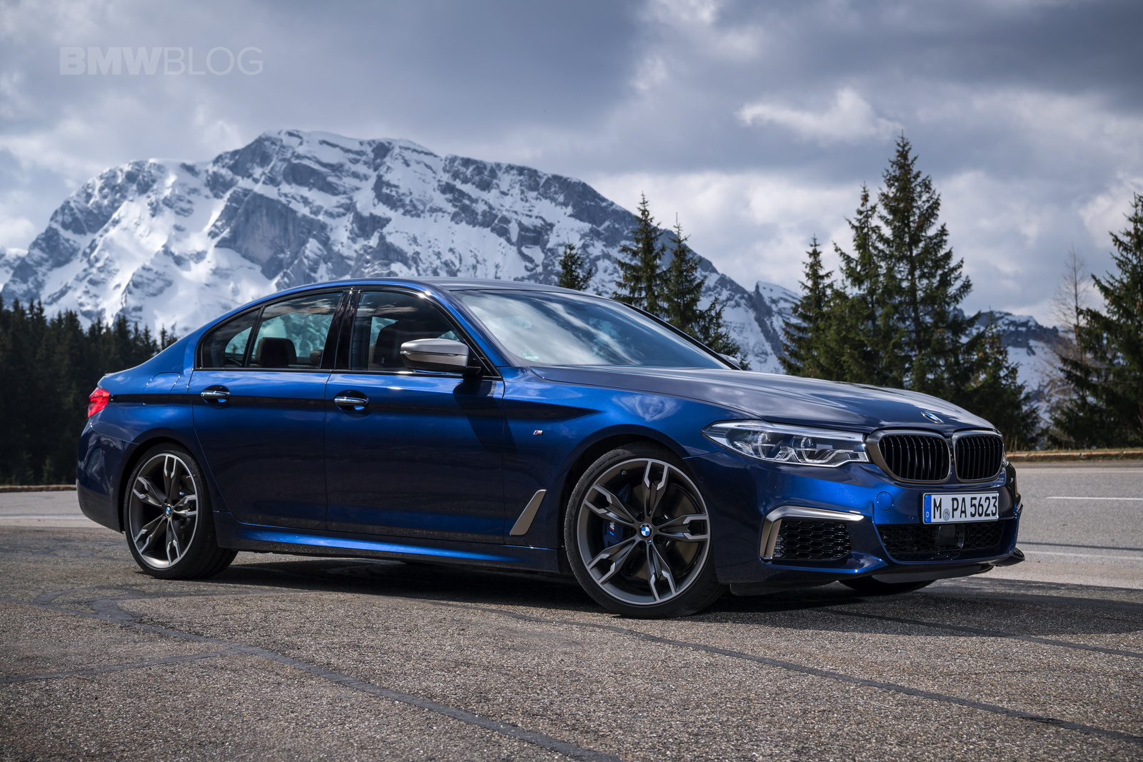 2018 BMW M550i xDrive test drive 37