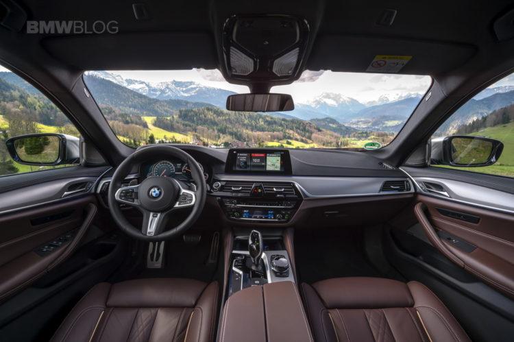2018 BMW M550i xDrive test drive 47 750x499