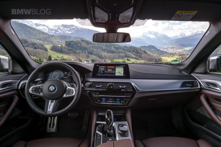 2018 BMW M550i xDrive test drive 48 750x499
