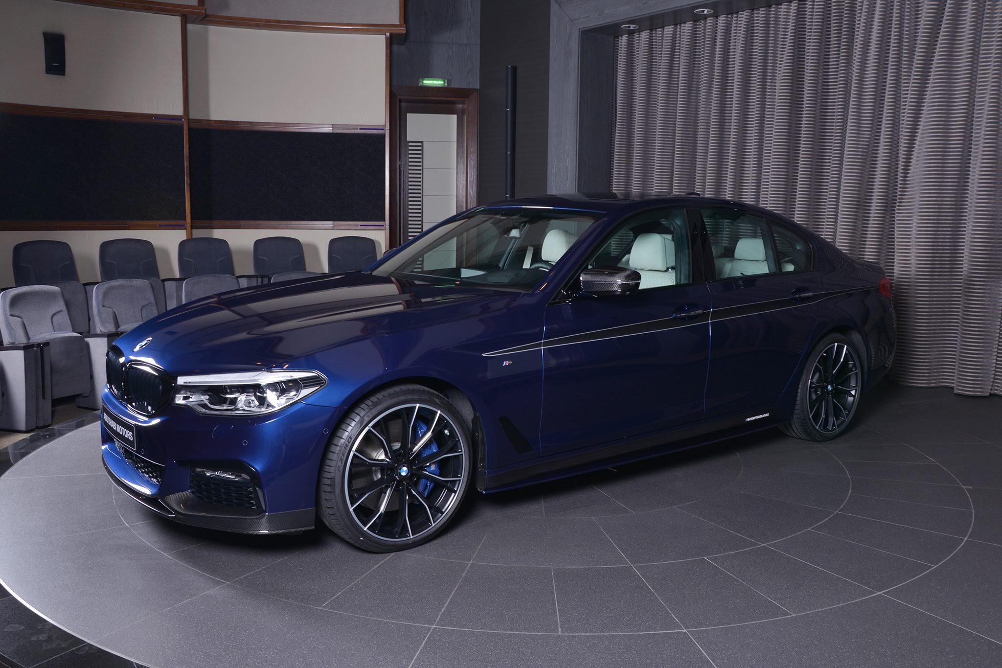 BMW 5er G30 M Performance Tuning Mediterranblau Abu Dhabi 03