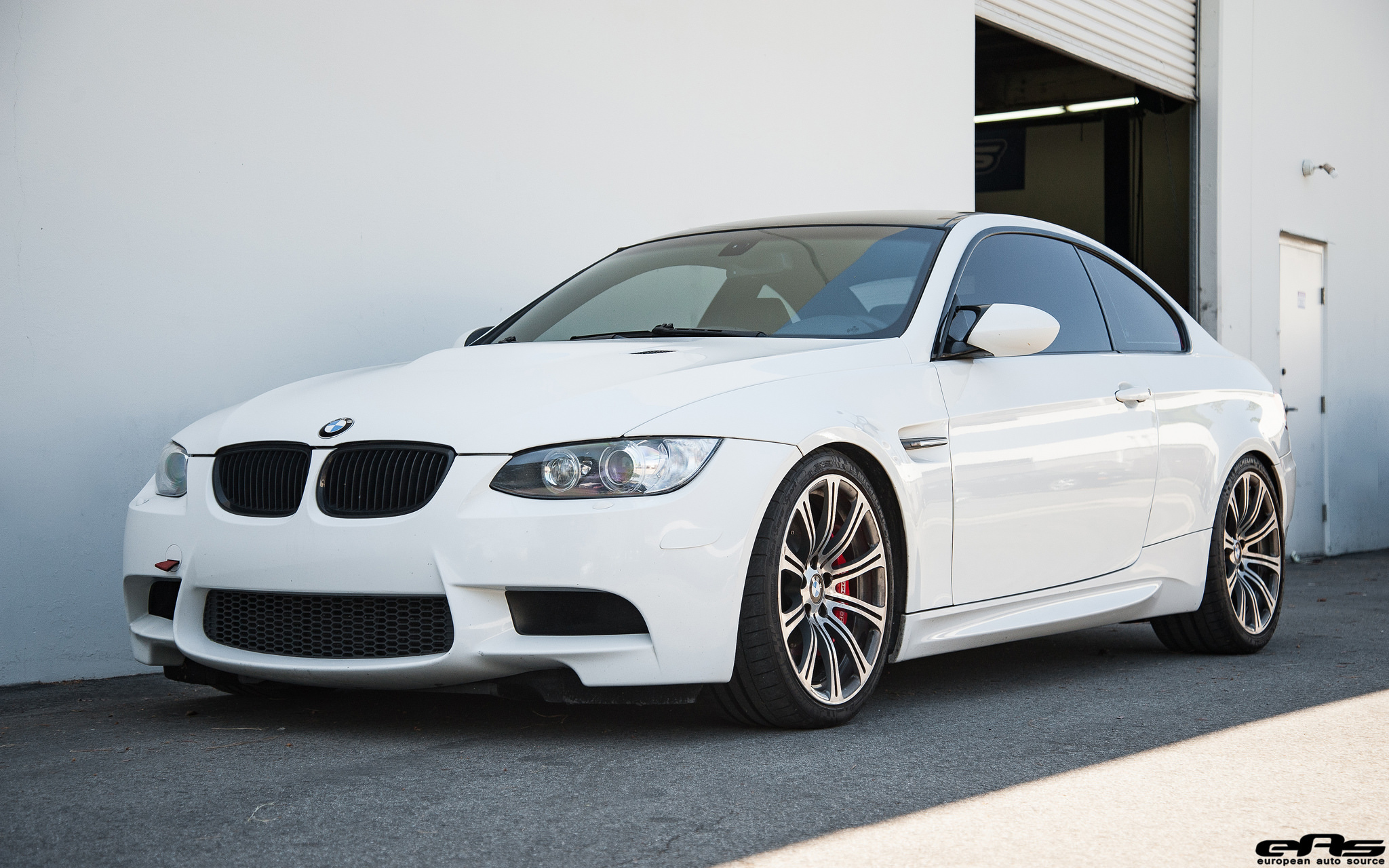alpine white bmw e92 m3 gets modded at european auto source. Black Bedroom Furniture Sets. Home Design Ideas