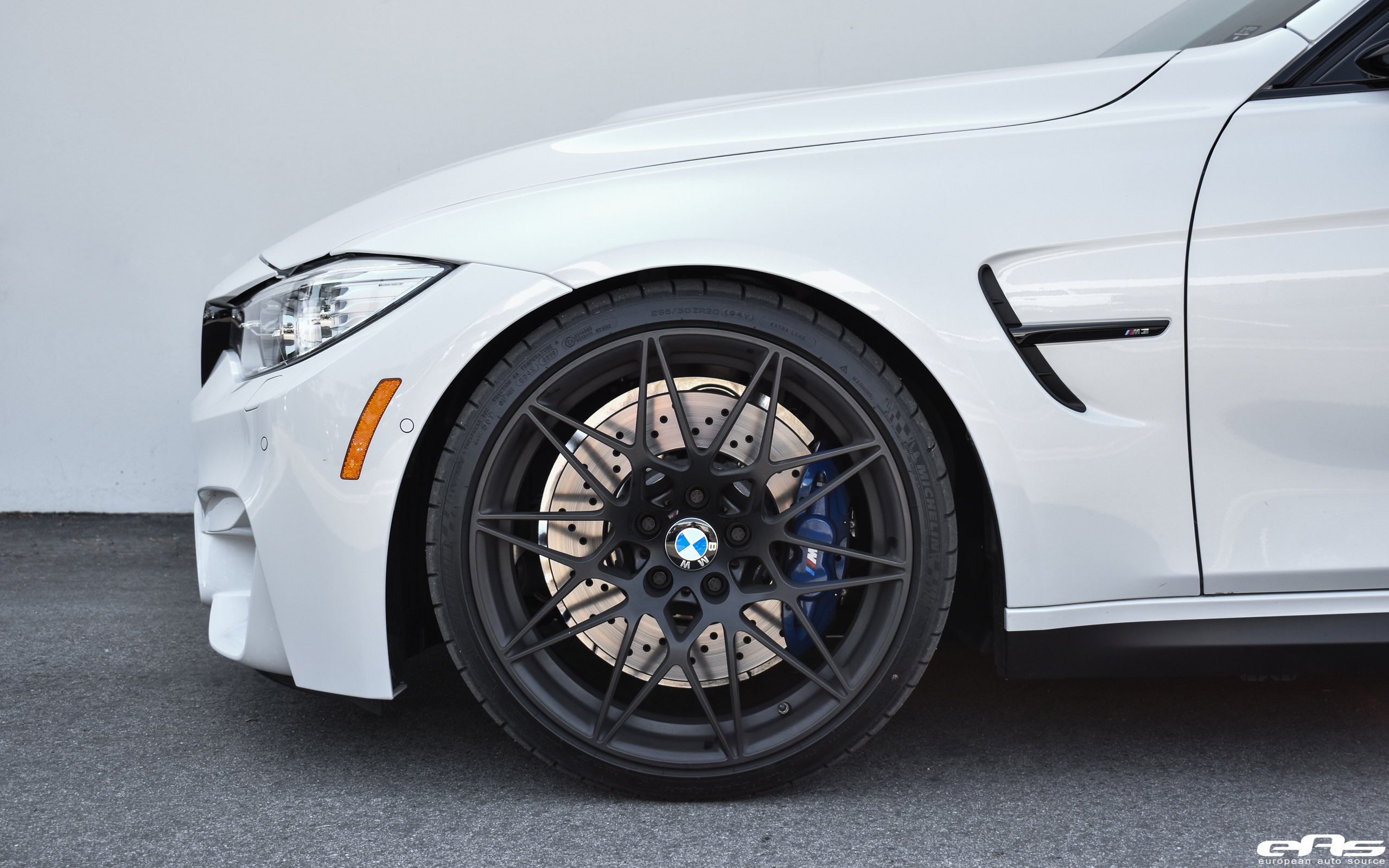 Mineral White BMW M3 ZCP Looks Amazing Thanks To Wheels