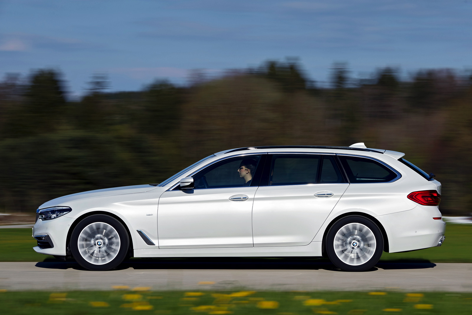 2017 BMW 520d Touring 24