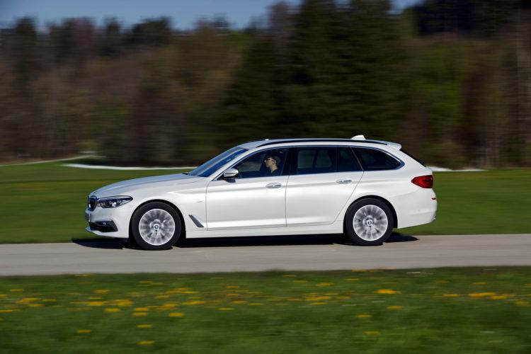 2017 BMW 520d Touring 25 750x500