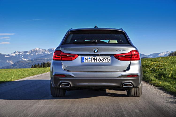 2017 BMW 530d Touring 14 750x500