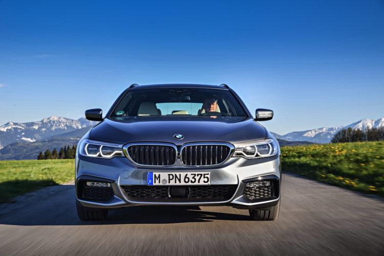 2017 BMW 530d Touring 15 750x500