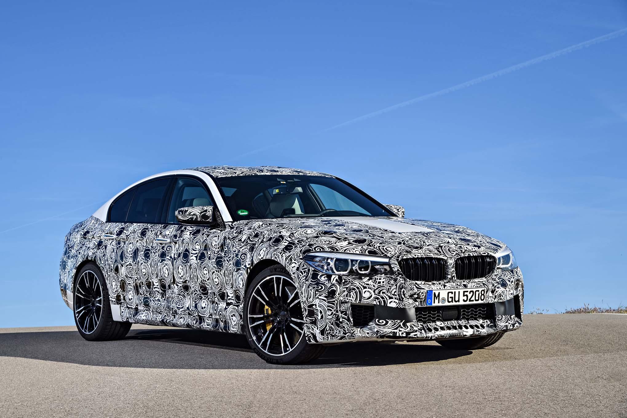 2018 BMW M5 Prototype front three quarter