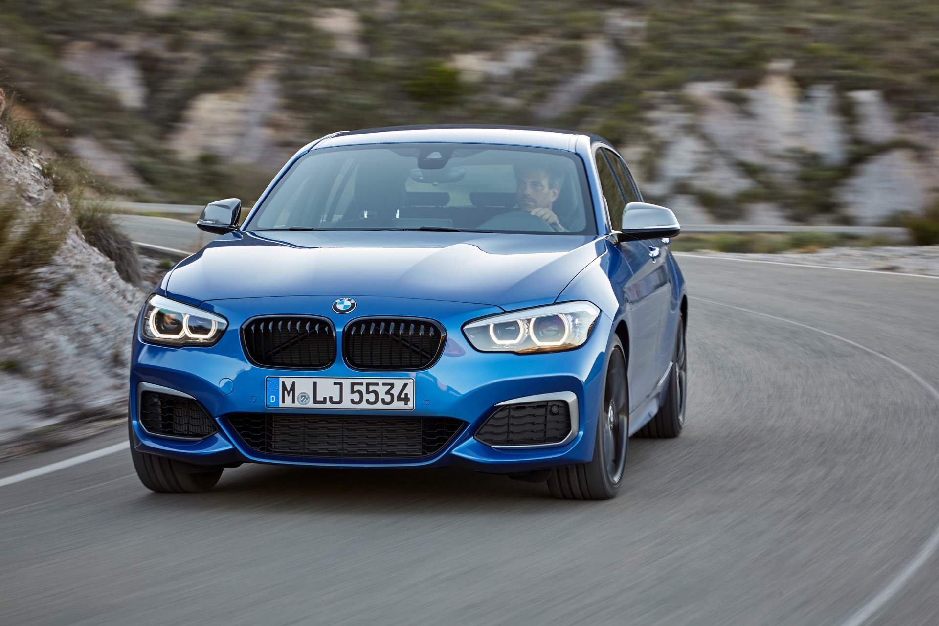 Bmw Future Car >> WORLD PREMIERE: BMW 1 Series Facelift and new Editions