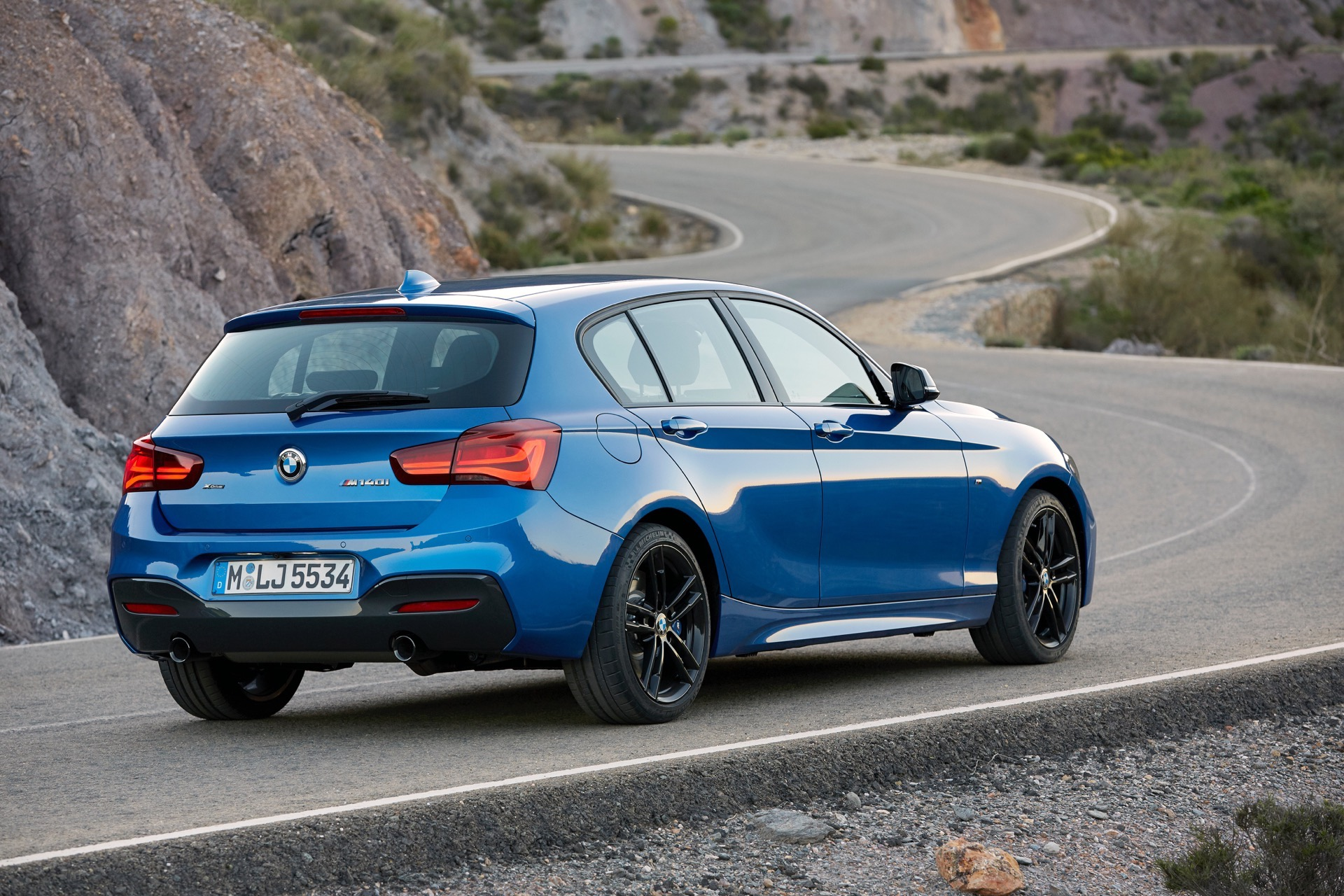 world premiere bmw 1 series facelift and new editions. Black Bedroom Furniture Sets. Home Design Ideas