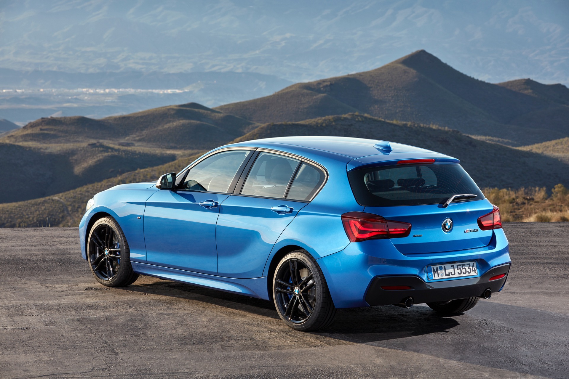 World Premiere Bmw 1 Series Facelift And New Editions
