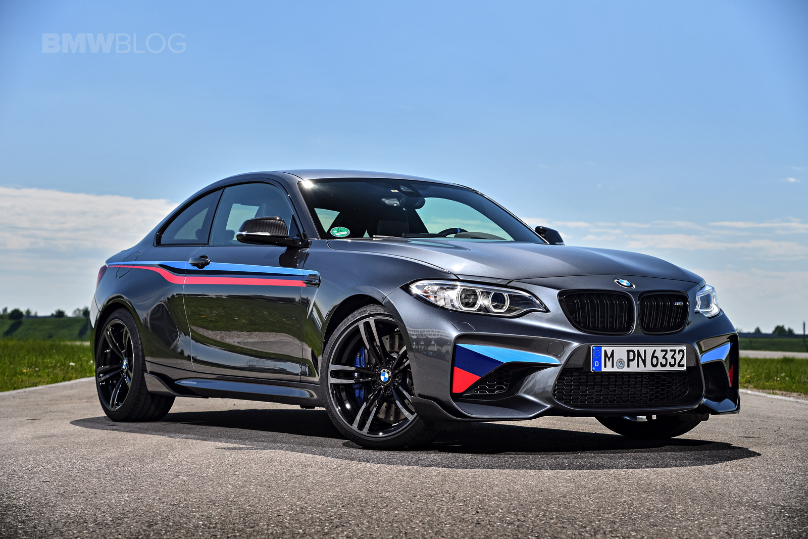 new photos of the bmw m2 with m performance parts. Black Bedroom Furniture Sets. Home Design Ideas