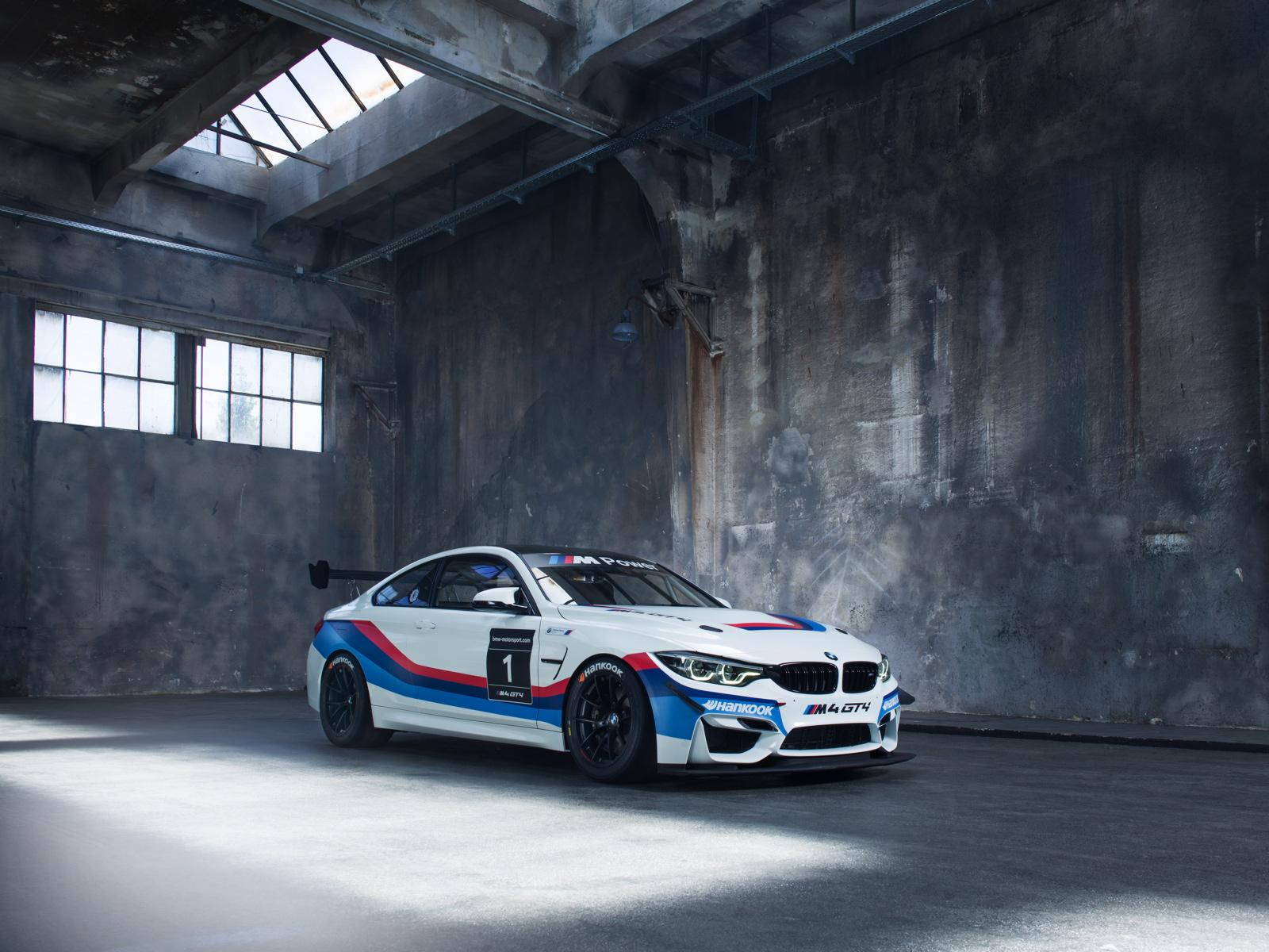 BMW M4 GT4 01