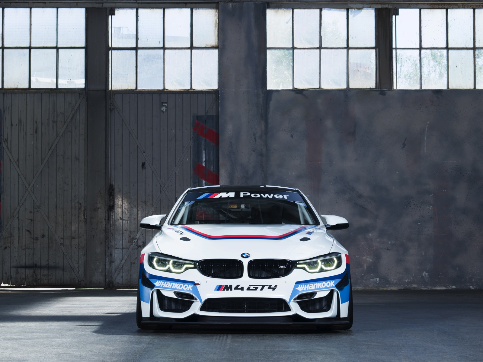BMW M4 GT4 04
