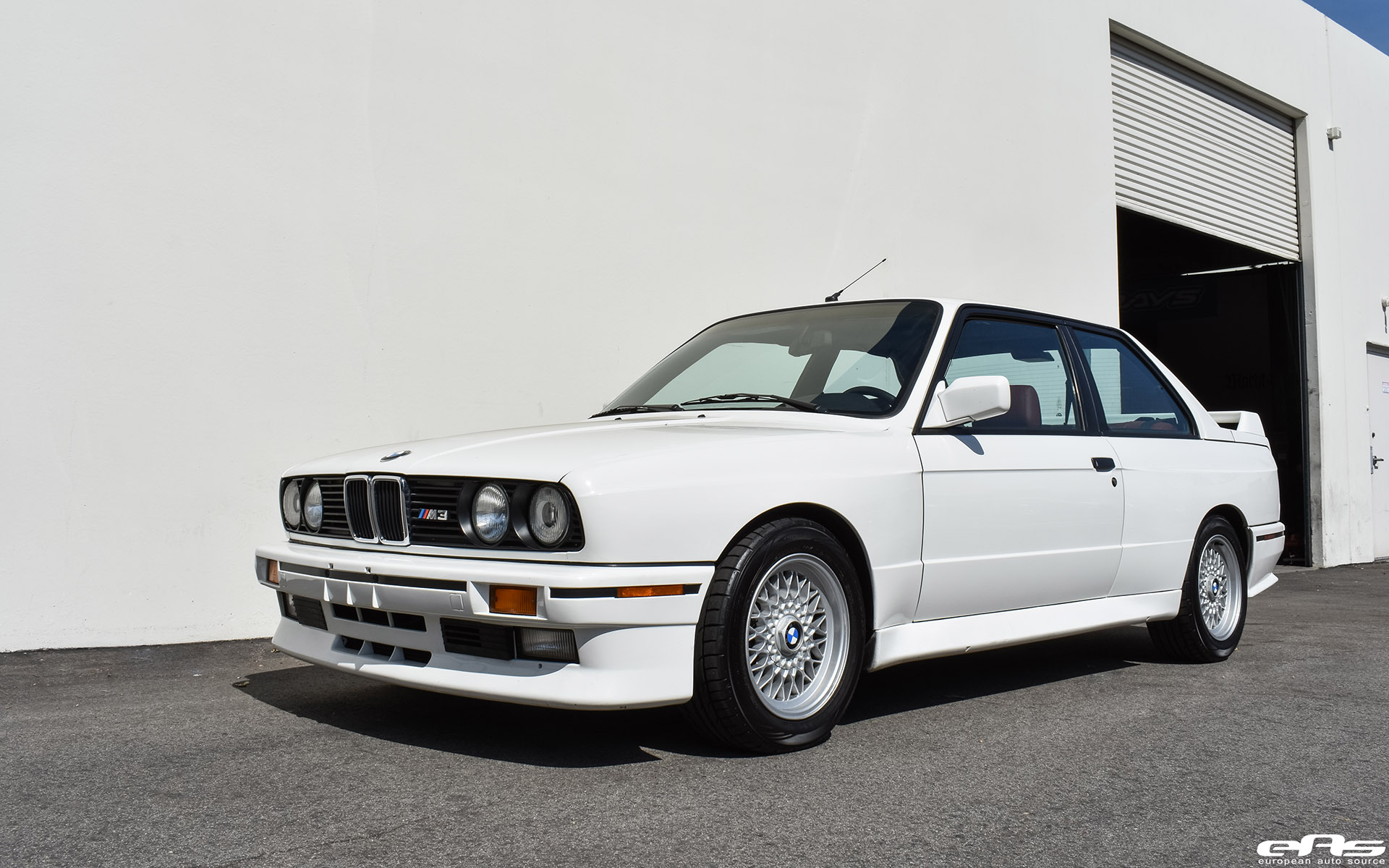 Video Bmw E30 M3 Joins The Likes Of A Impreza 22b Lancer