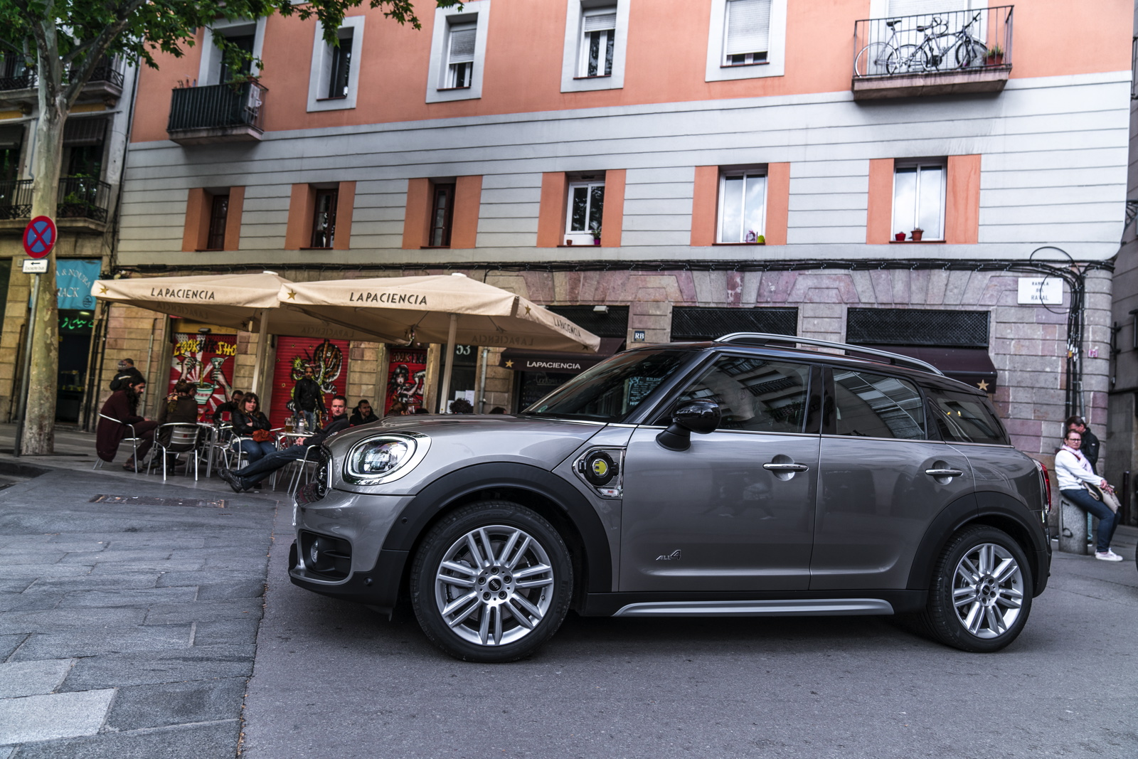 mini cooper s e countryman all4 now available for orders. Black Bedroom Furniture Sets. Home Design Ideas