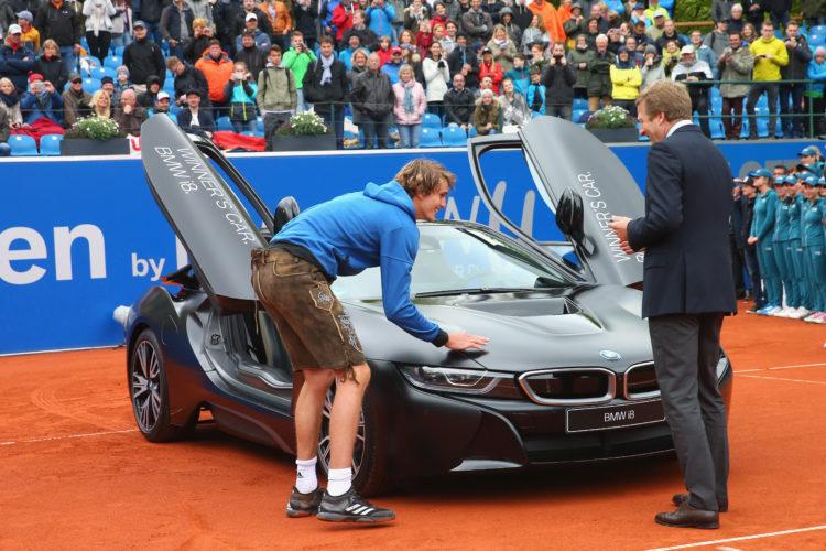 Zverev BMW i8 750x500