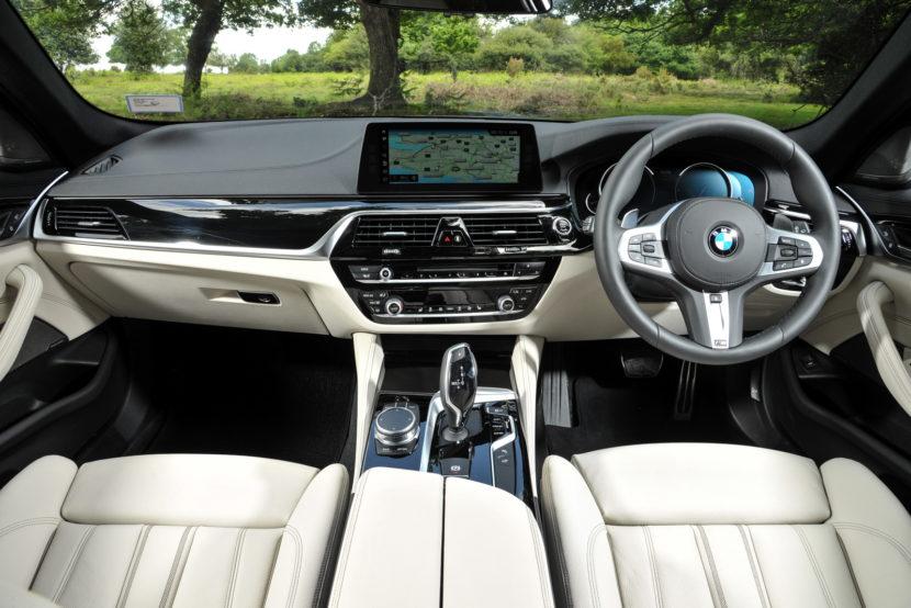 2017 BMW 5 Series Touring England 98 830x554