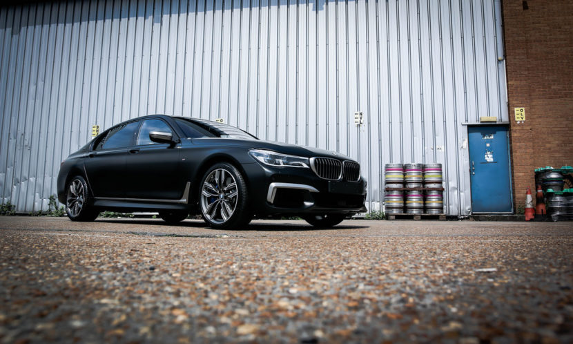 BMW M760Li Frozen Black 16 830x498