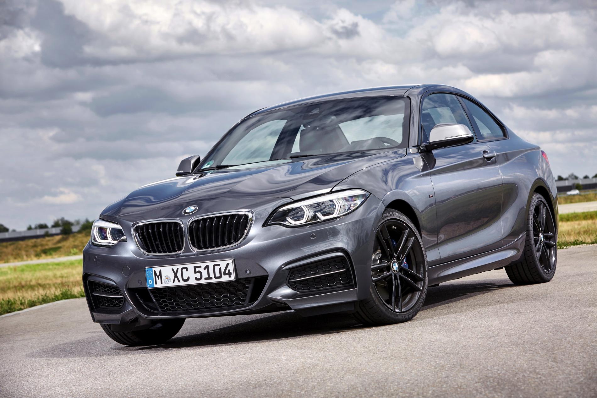 2017 BMW M240i photo gallery 22